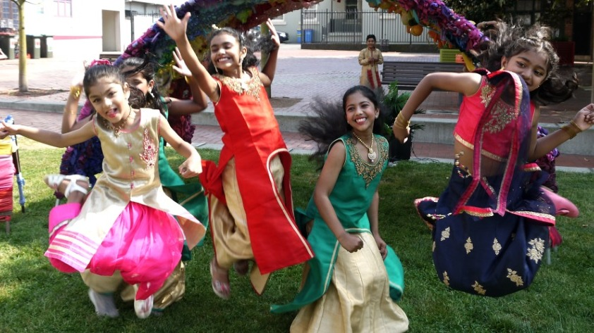 Viva la Gong Bollywood Exclusive Dance School